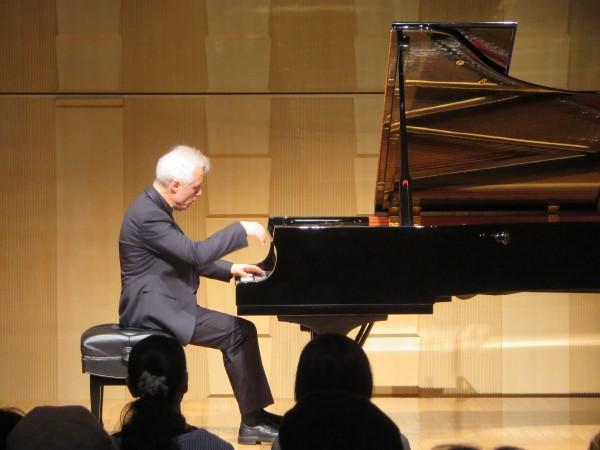 パスカル・ドゥヴァイヨン ピアノリサイタルが開催されました。