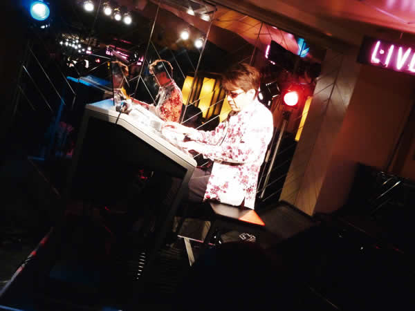 2014.10.26 LIVE AT MIKIにて-4