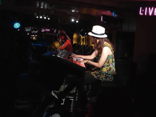 2015.5.31 LIVE AT MIKIにて-4