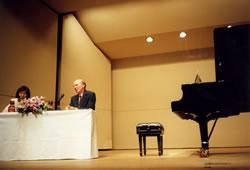 ウィーン国立音楽大学教授<br>ローラント・ケラー