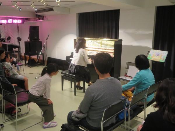 あそぼう!ピアノと森のなかまたちコンサートを開催致しました。